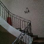 j'ai adoré l'escalier, le décor . c'est beau tout simplement