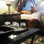 10 - Premium King Bedroom D