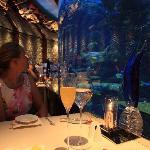 Restaurant mit Fischbassin im Burj al Arab