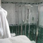 Lovely En Suite Shower