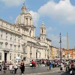Piazza Navona - 2 minutes walk from the hotel