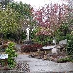 Azalea Park, Brookings - Pretty garden with benches and statue