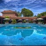 Photo of Full Moon Garden Hotel