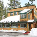 Tamarack Pines Inn