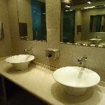 Hotel Regente ,baños  de cortesia ,planta baja.