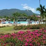 La piscine et la montagne