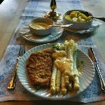 Asparagus, Schnitzel, Potatoes and Sauce Hollandaise