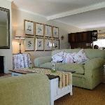 Olive Cottage - Lounge & Dining Area