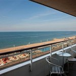 Holiday Inn Brighton - Seafront - Balcony room with a seaview