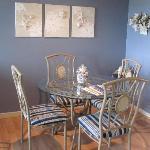 2bd 1ba dining room