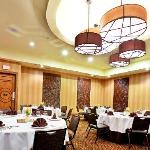 Throckmorton Ballroom can host banquets for up to 160 guests
