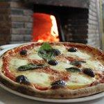 A Pizza Sutta L'Acchi