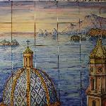 ..il mosaico di piastrelle all'entrata