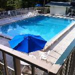 Pool Motel 6