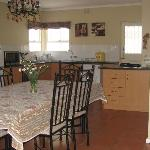 Cottage Dining area - Kitchen