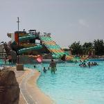 piscina enorme le encanto a mis hijos