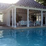 poolside gym & lounge area
