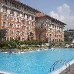 Beautiful large pool