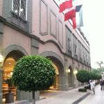 Front Facing Reforma