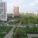 Вид с 10 этажа отеля на парк