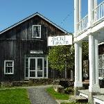 Hotel & Barn