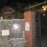 The walkway to Da Tonino
