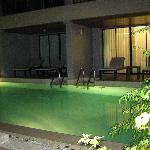 Pool front access rooms - excellent!