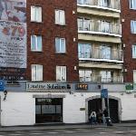 Façade de l'hotel (1 balcon = 1 appart.)