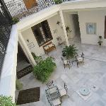 Central courtyard/breakfast room