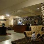 Hotel Guest Inn Suites, Castle