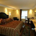 Chateau Louis Hotel & Conference Centre Foto