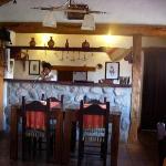 este es el lugar donde se sirven las comidas, bien calido y tipico