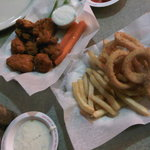 Chicken wings with Half Frise Half Onion Rings