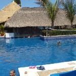 Huatulco Barcelo Swim up Bar