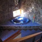 Jacuzzi tub in honeymoon cabina