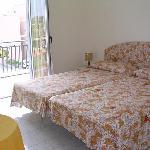Gianni House Twin Room