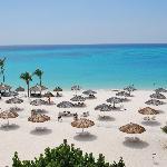 Herrlicher Strand und türkisblaues Meer