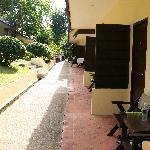 petite terrasse sympa devant bungalow standart
