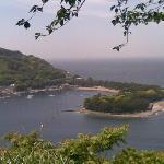 海岸線の山側からの戸田港