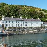 Manor House Hotel in Harbour Setting