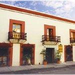 هوتل بارادور سان أجوستين