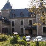Chateau De Villette - Front