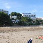 Al ladito de la playa