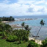 View of the beach a few steps from Makaira, jump in and start snorkeling!