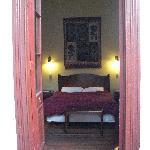 une chambre pour 2 avec sdb, donnant sur un patio