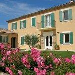 Façade hotel La Bastide d'Iris proche Vallon Pont d'Arc