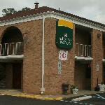 Foto de America's Best Inn Williamsburg