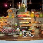 dessert buffet!