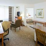 Photo de Staybridge Suites Philadelphia - Mt Laurel