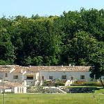 Le Relais : un hameau / a hamlet in the vineyards